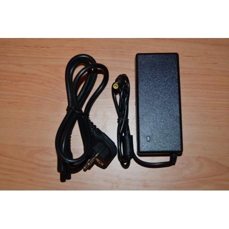 Sony 19.5V ( Volts ) e 3.33A ( Amperes ) e 65W ( Watts ) + Cabo