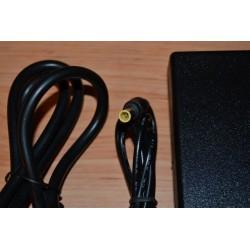 Sony Vaio VGP-AC19V39 + Cabo